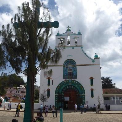 Der Kirchplatz in Chamula in der Nähe von San Cristobal de las Casas.