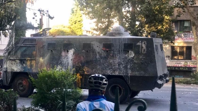 Wasserwerfer bei den Protesten in Santiago de Chile