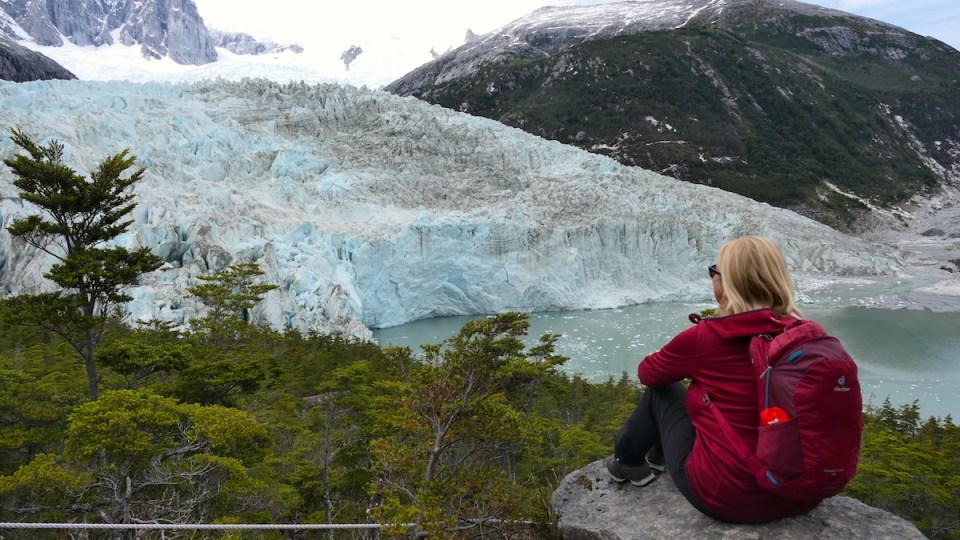 Elke staunt über den Gletscher
