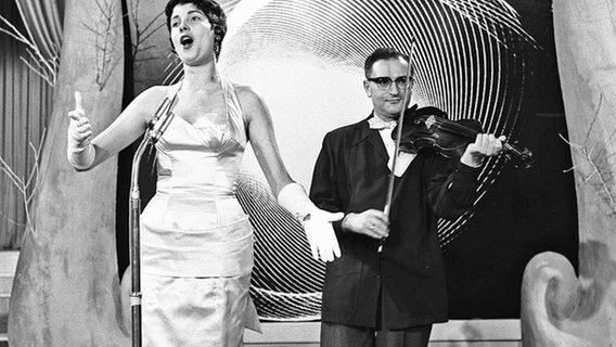 Nationaal Songfestival 1958: Über den Wolken