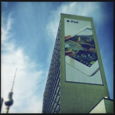 iPad-Werbung am Berliner Verlag