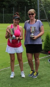 Lisa Edwards and Vicky Size Ladies Doubles Champions 2016