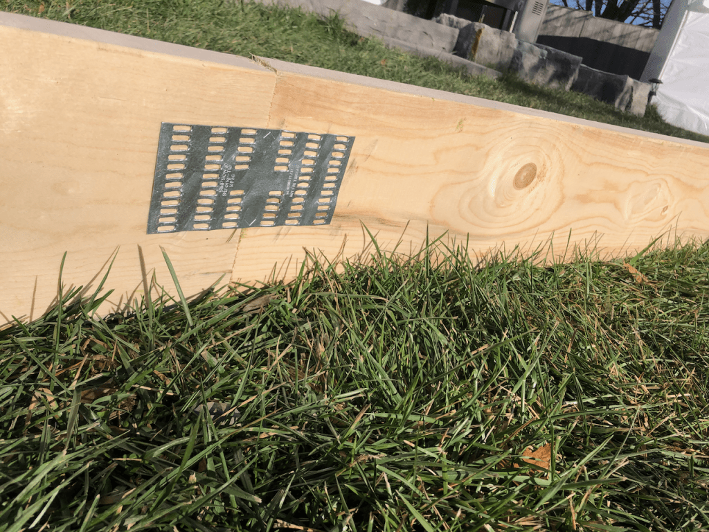 Backyard rink frame connections