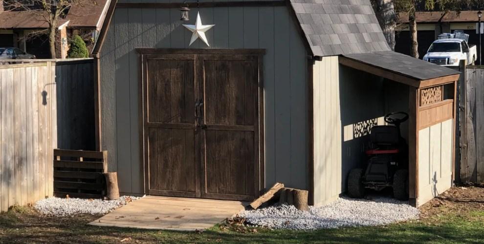 Beautiful Barn Shed with Carport