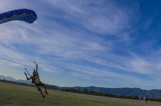 parachute landing skydiver in Empuriabrava