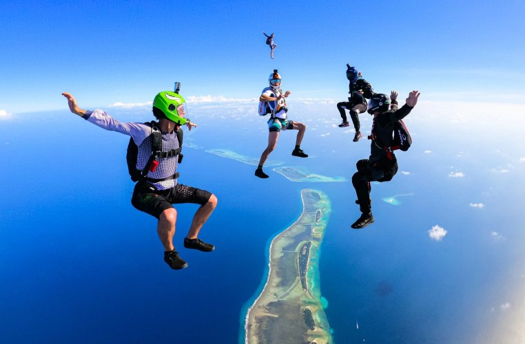 Free flying over The Maldives with Mike Bohn and friends