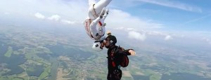 skydivers kissing in the air