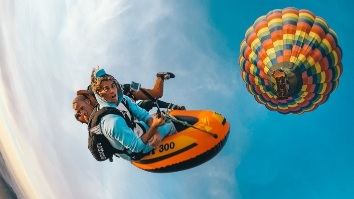 Hot air balloon skydive