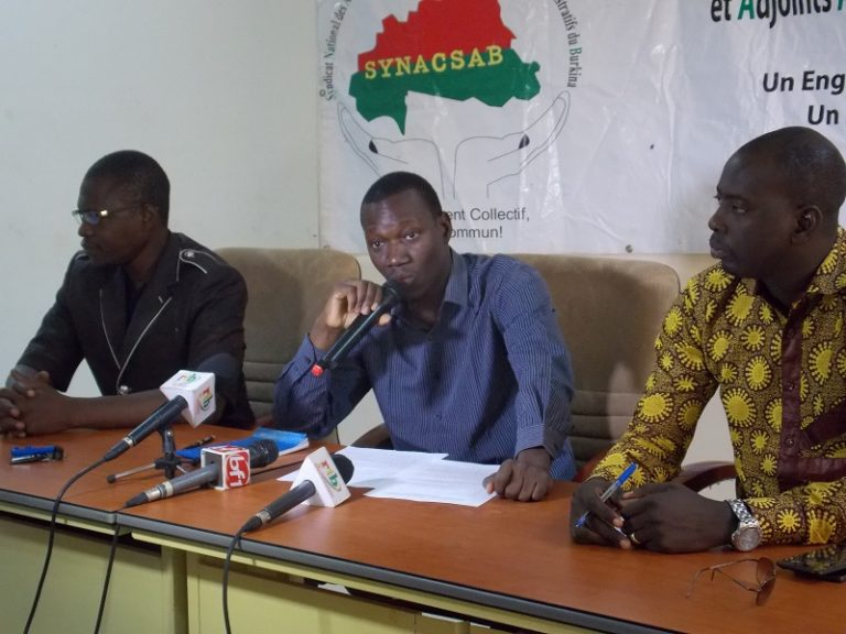 Fonction publique: les administrateurs civils annoncent un sit-in suivi d'une grève