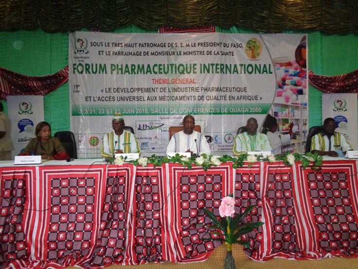 Accès aux médicaments de qualité en Afrique: 350 pharmaciens pensent la question à Ouagadougou