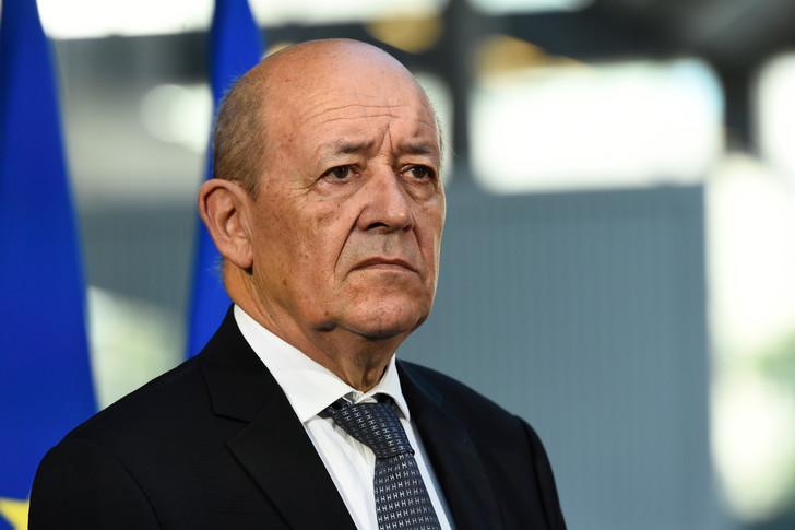 Jean-Yves Le Drian au Mali: Accords d'Alger riment- ils avec paix?