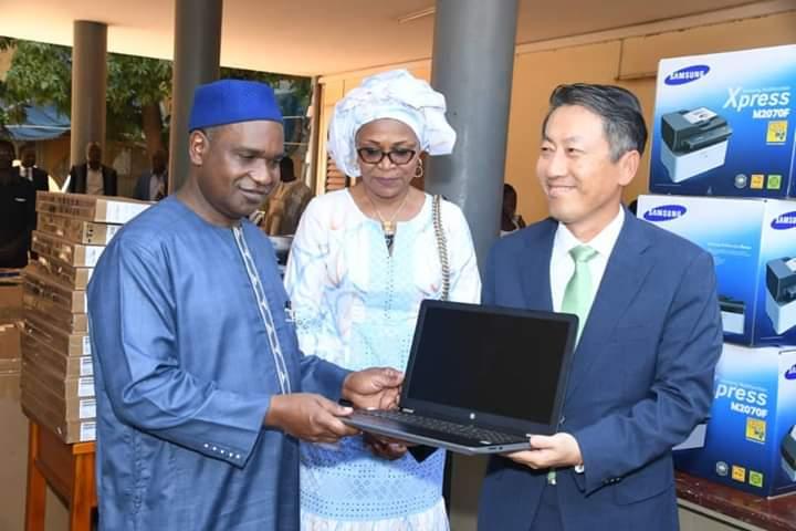 Coopération Burkina/Corée du Sud: Alpha Barry reçoit un don de matériels de 90 millions de FCFA