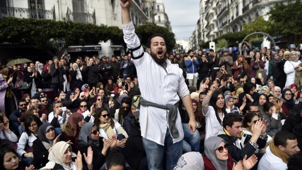 Algérie: Début d'atmosphère de fin de règne