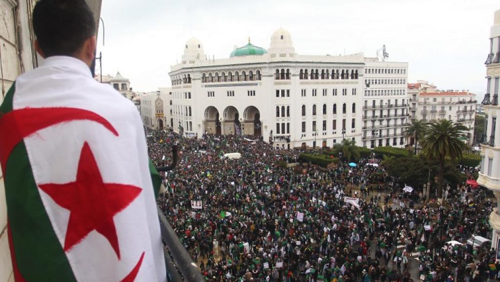 5 postulants pour le fauteuil d'El Mouradia :  Le 12 décembre ne sera pas la seconde indépendance de l'Algérie!