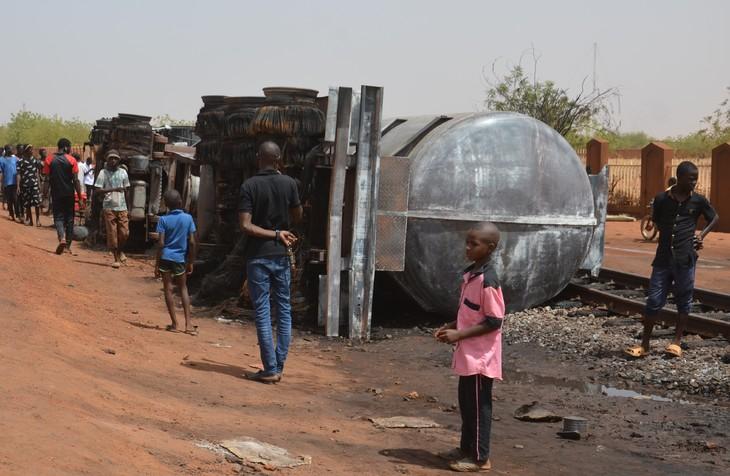 Niger : deuil national en mémoire des 60 personnes tuées par l'explosion d'un camion-citerne
