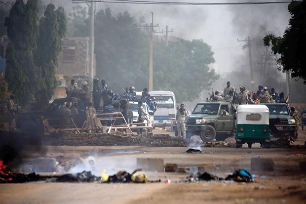 Soudan, après la tuerie de 5 étudiants à Al-Hubeye: Le peuple n'en démord pas: Basta les militaires!
