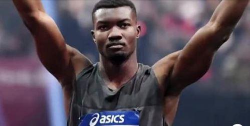 Ministère des sports: Hugues Fabrice Zango reçoit les 15 millions du chef de l'Etat