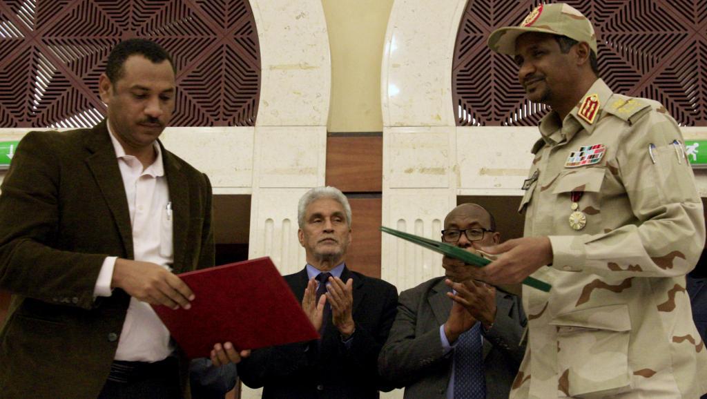 Fragile armistice constitutionnel au Soudan: Les militaires joueront-ils franc-jeu durant l'interminable transition?