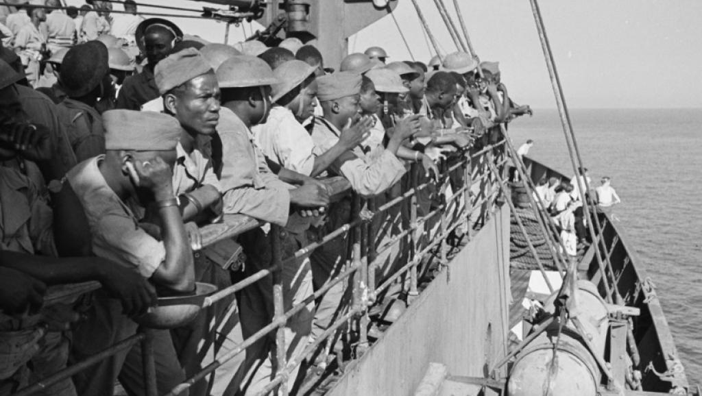An 75 du débarquement des tirailleurs sénégalais en Provence: Subreptices consolations pour des sacrifices sous camisole