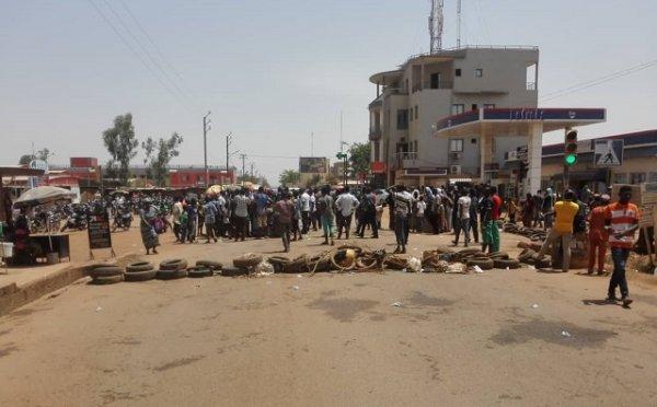 Sankar-yaar, Nabii-yaar, marché de Karpala, 10 yaar …Tout était «gnangmé» hier: les commerçants optent de mourir du Covid-19 que de faim