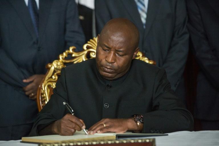 La Covid-19, désormais ennemi public n°1 au Burundi: Le général-Président Ndayishimiye met fin à une imposture d'Etat
