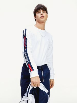 Tommy Jeans logo tape t-shirt