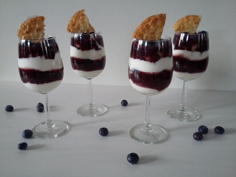 kokos bessen trifle