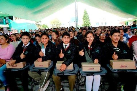 Aplauden-padres-de-familia-programa-educativo-de-Metepec-4
