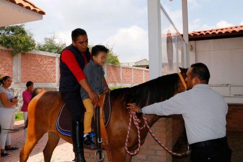 Toluca, municipio incluyente y solidario, impulsa el bienestar con Equinoterapia