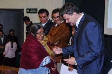 Otorga beneficencia del ISEM apoyos a personas con discapacidad visual y auditiva 4