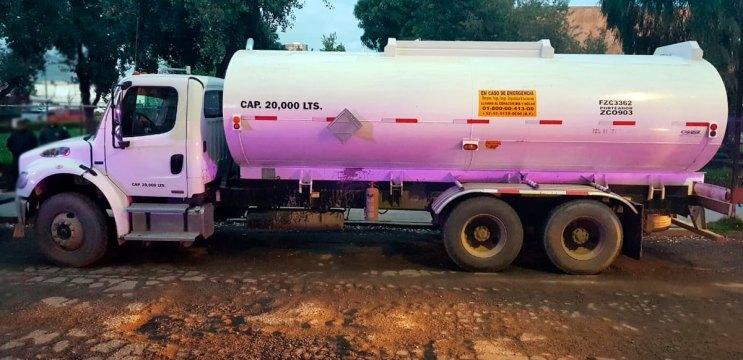 Asegura Policía de Toluca a dos sujetos con 20 mil litros de hidrocarburo al parecer de procedencia ilícita