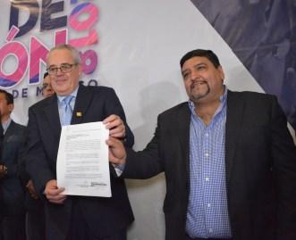 """Jorge Inzunza Armas se registra como candidato adirigir el PAN Edomex; """"Por el PAN que queremos"""""""