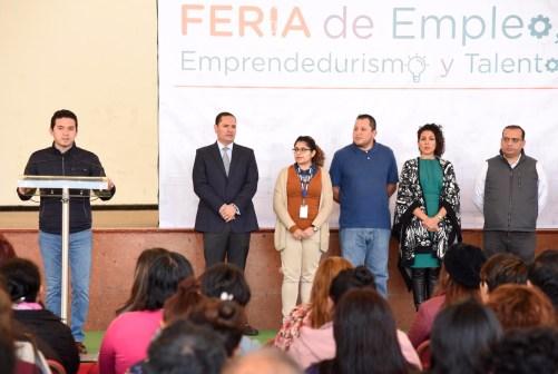 Inaugura Secretario de Obra Pública, Feria de Empleo en Tlalnepantla
