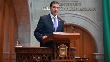 """Proponen que se inscriba en el Poder Legislativo la leyenda """"La Casa del Pueblo"""""""