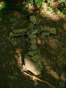 Croix de pierres sur les chemins de Compostelle