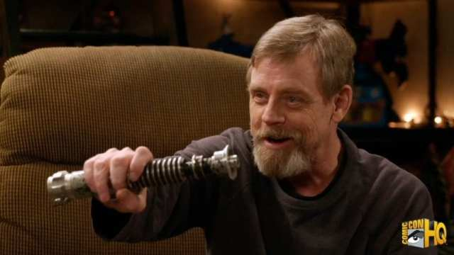 Mark Hamill and His Return of the Jedi Prop Lightsaber Reuni.mp4_snapshot_01.08_[2017.01.13_20.39.26]