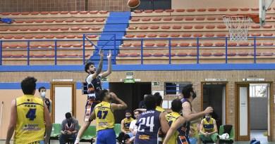 Partido de baloncesto senior Mairena - Pilas