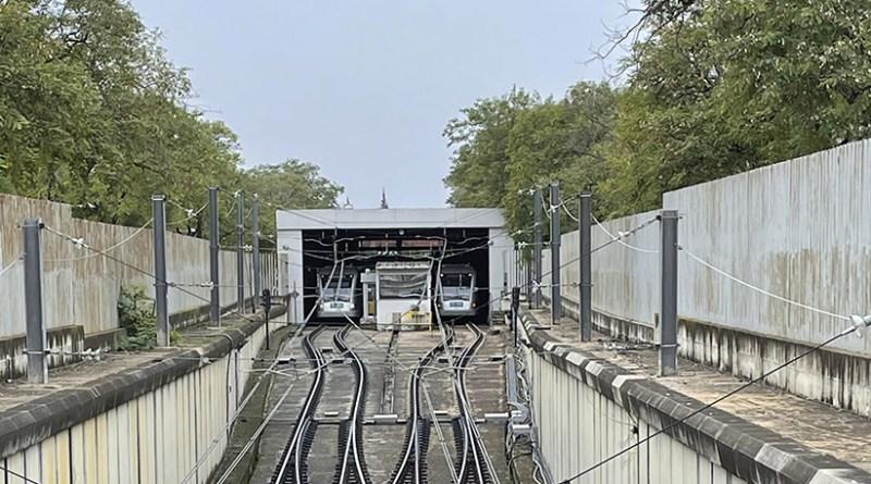 Metro de Sevilla entre Ciudad Expo y San Juan Alto más intervalo el domingo