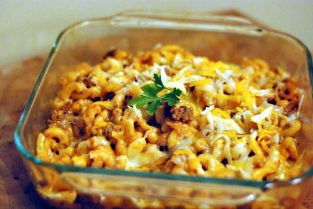 Preacher's Macaroni Casserole | Aunt Bee's Recipes