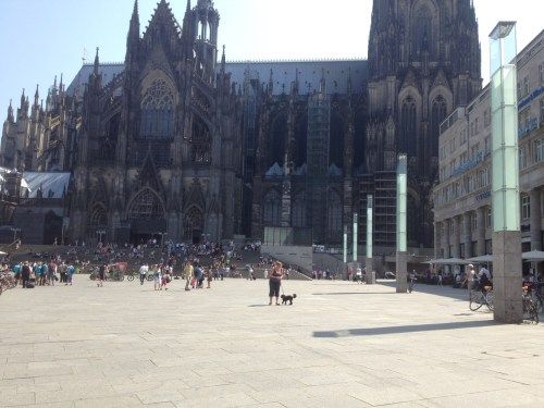 Poppy and Helen at Koeln cathedral