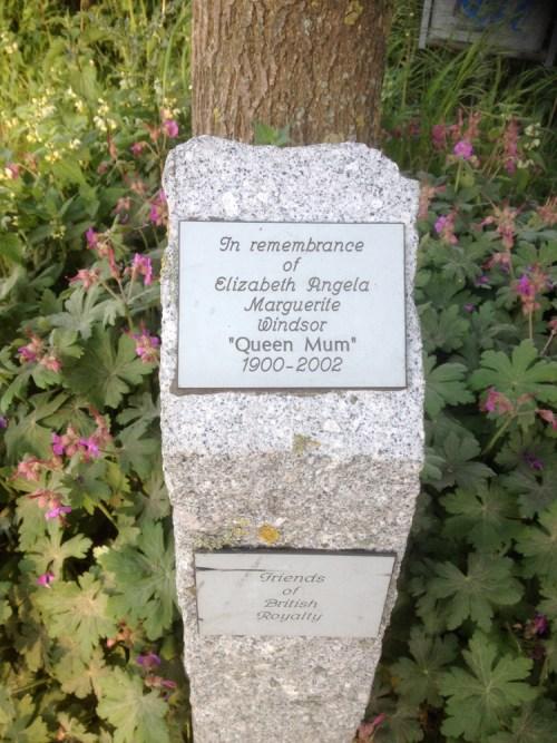 Queen Mum plaque