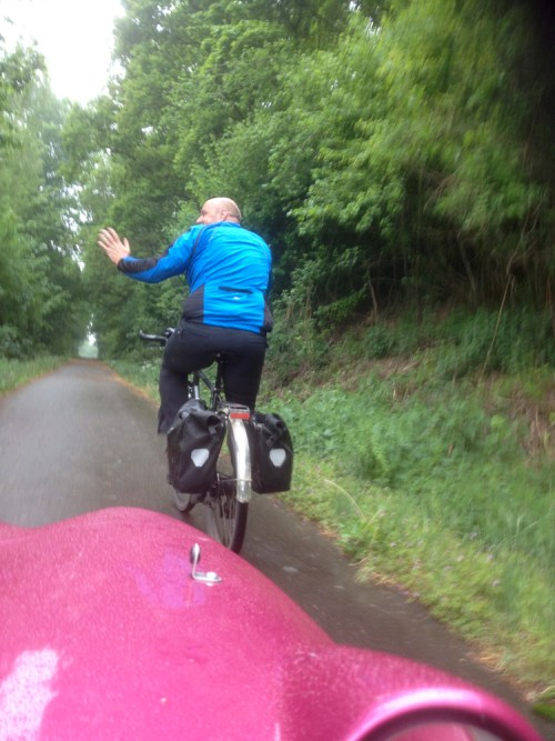 Riding in the rain to Rolf's