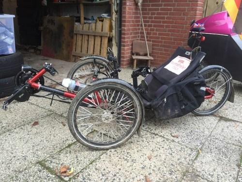 Trike with sidepods