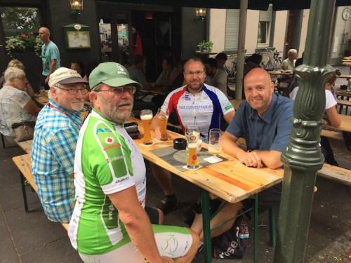 4 chaps in Kempen 1