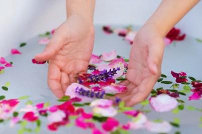 beauty bath soap Cleopatra health luxury honey herbal rose petals