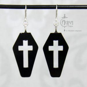 Boucles d'oreilles cercueil gothique / occulte avec croix seihnoir - face
