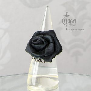 Bague fleur gothique en tissu sur estampe Thot - face