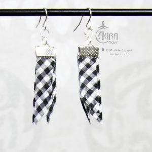 Boucles d'oreilles pin-up vichy en ruban Mutu - 100 fait-main - noir - face