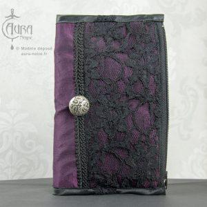 Portefeuille porte-monnaie gothique en dentelle et taffetas Aura Noire - face