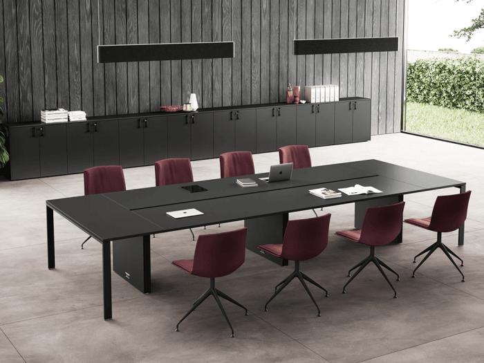 Avery – U-Leg Meeting Table